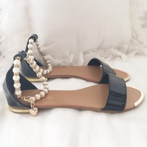 BLACK PEARLS SANDALS